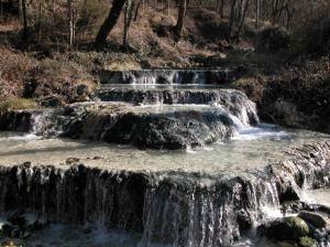 una delle pi importanti terme di siena bagni s filippoche si trova nel comune di castiglione dorcia nella piccola valle del torrente rondinaia