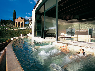 Servizi la casaccina agriturismo con piscina campo da - Agriturismo in campania con piscina ...